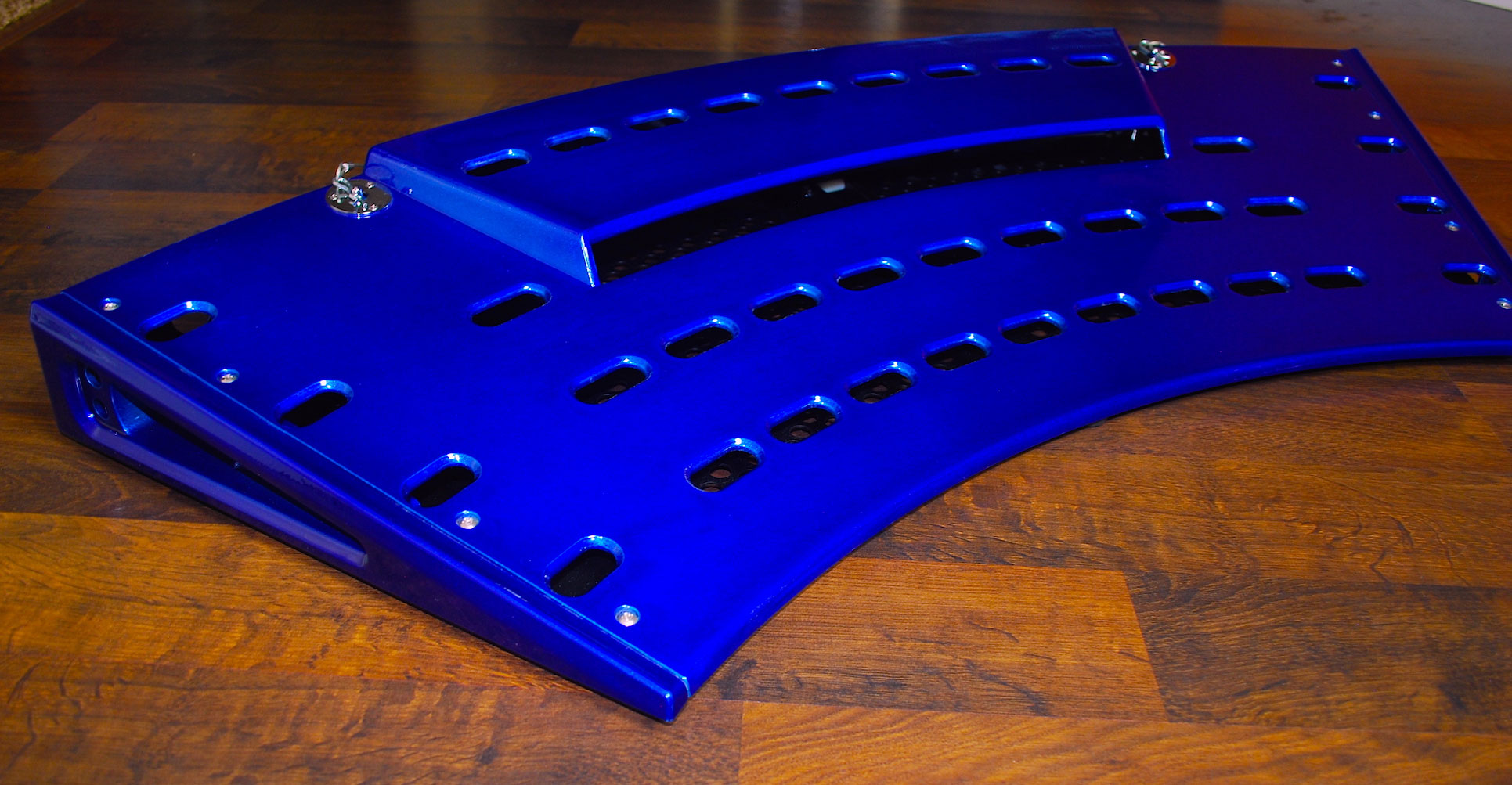 Fastback GT Pedalboard in Metallic Blue